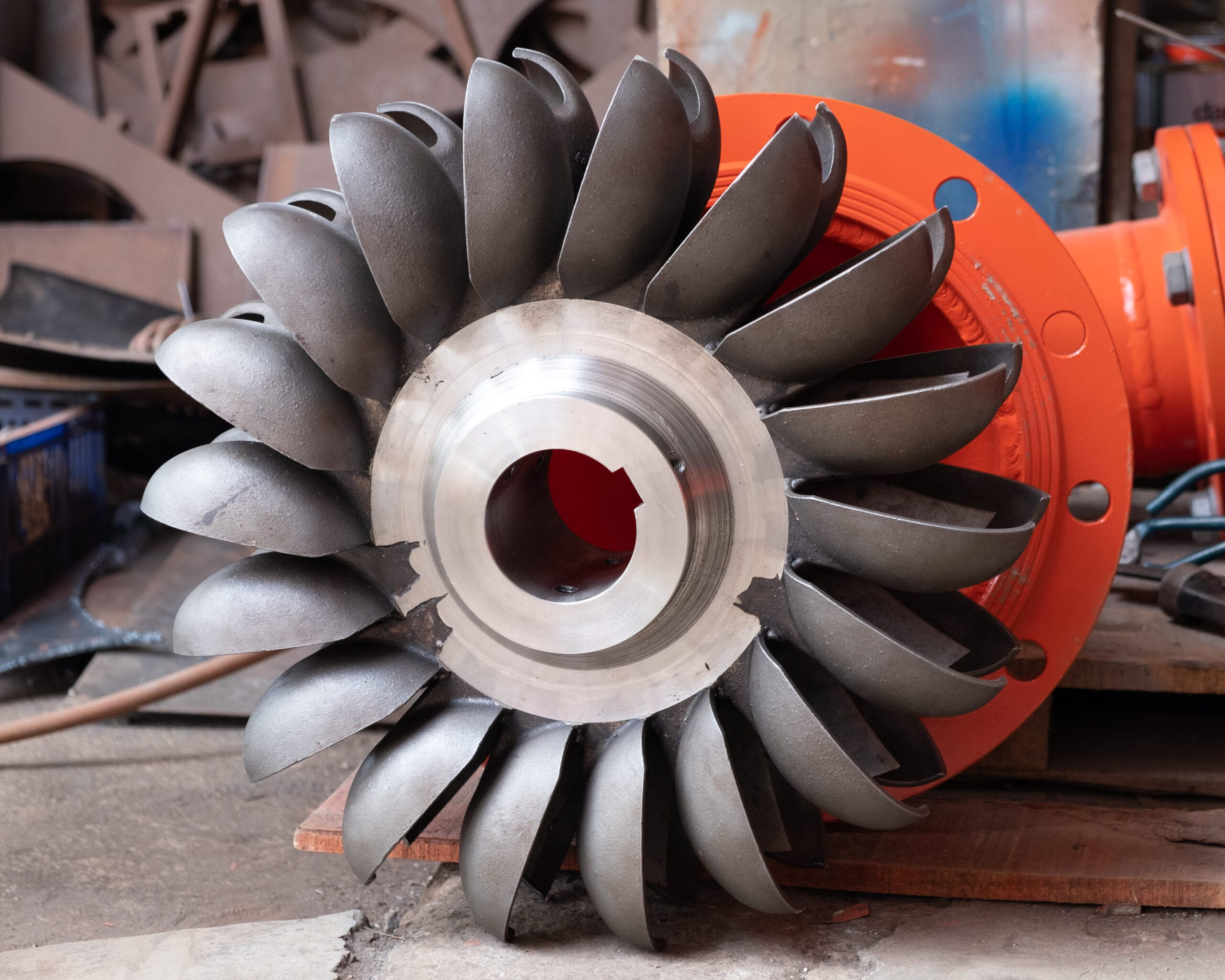 Pelton turbine runner